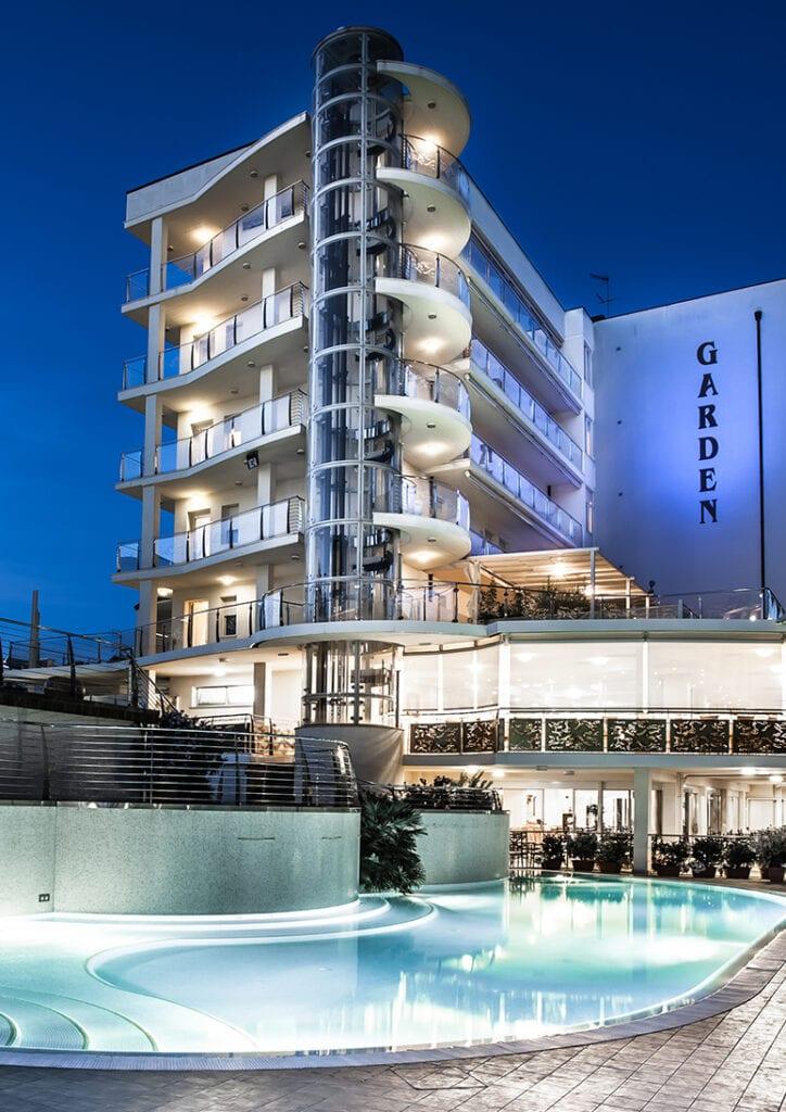 hotel garden 4 stelle con piscine fronte pineta a pinarella di cervia - severi hotels